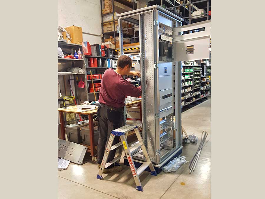 Schemi Cablaggio Quadri Elettrici : Luma impianti elettrici cablaggio quadri