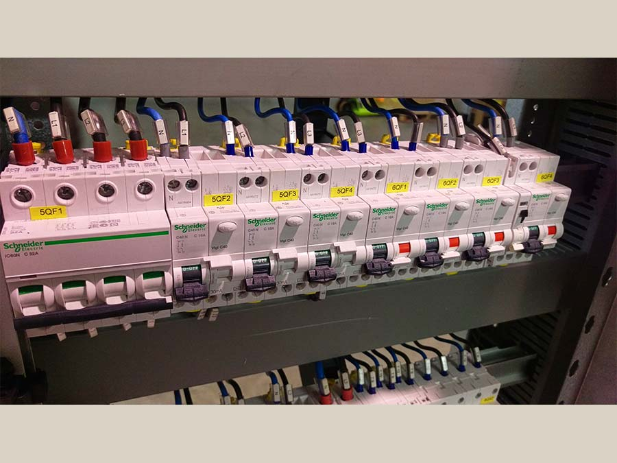 Cablaggio quadri elettrici 25