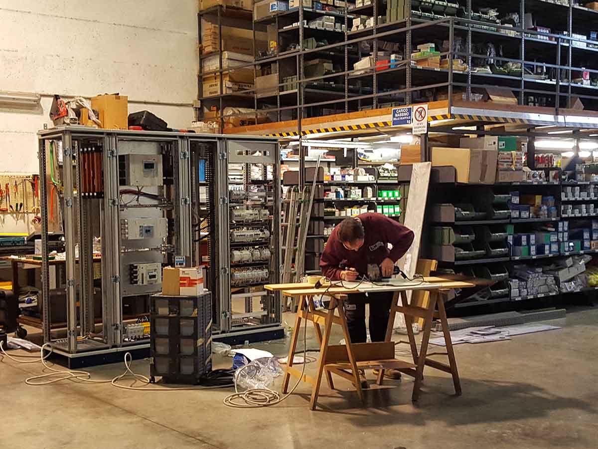Schemi Cablaggi Elettrici : Luma impianti elettrici cablaggio quadri elettrici