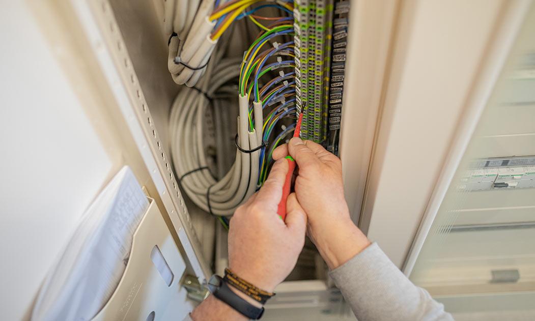 Servizio: Cablaggio quadri elettrici